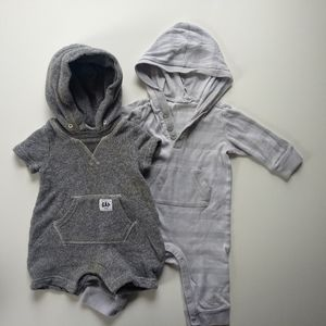 ✨ 5/$25✨👶 3-6 mo Gender Neutral Hooded Rompers